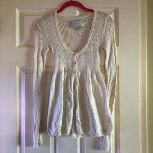White American Eagle long sleeve sweater top